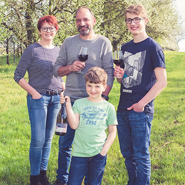 Weingut-am-Fuerstweg-Familie